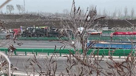 陕西包茂高速公路陕西铜川段交通事故救援结束 已致4人死亡6人受伤