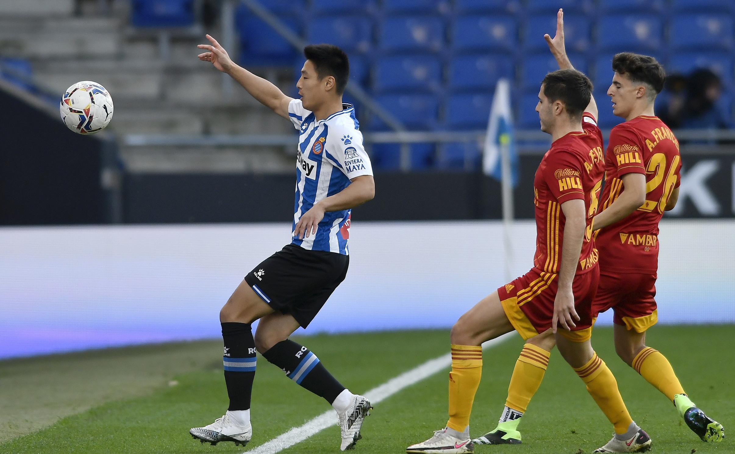 武磊首发希尔达德尔齐破门,西班牙人2-0萨拉戈萨