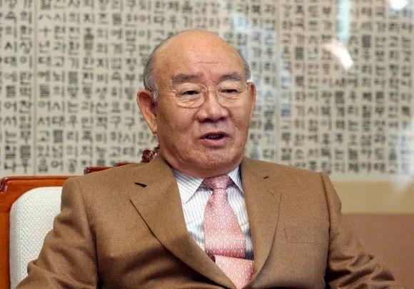 89岁韩国前总统全斗焕获刑