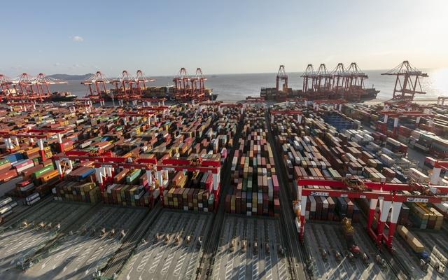 """海运集装箱爆单了!中国港口""""一柜难求""""可能持续到明年"""