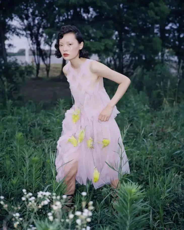 @《流金岁月》剧组,在哪能找到这么多温柔的小裙子?