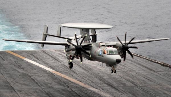 法国将采购3架E-2D舰载预警机 2028年到货