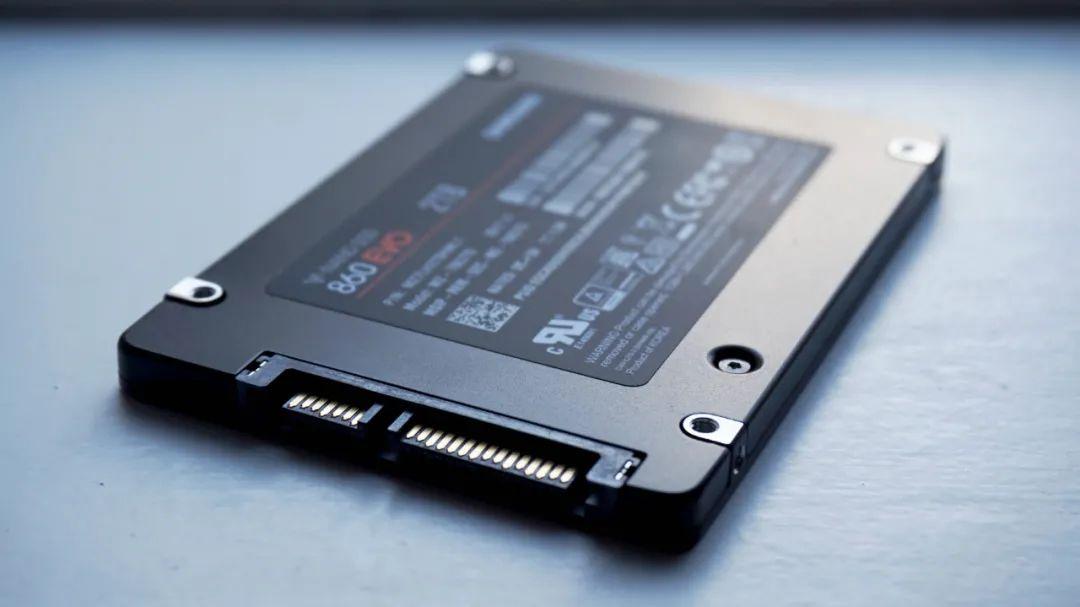 「小狮子诊所」买SSD该选SATA接口还是M.2的?