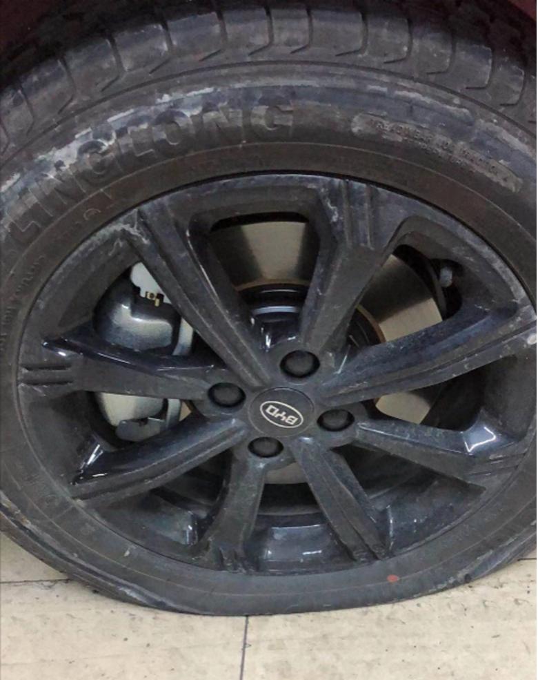 一位比亚迪电动车主自述:续航惊心动魄、轮胎险致命