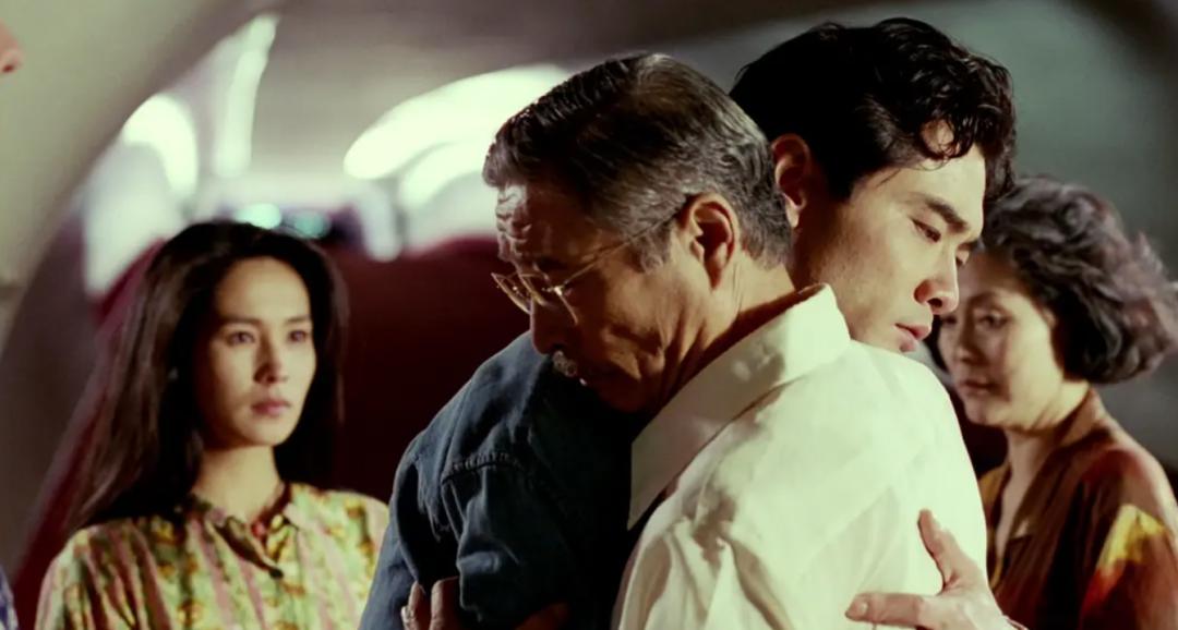 《你好,李焕英》票房破20亿,你看哭了吗?当代青年该如何善待爸妈?
