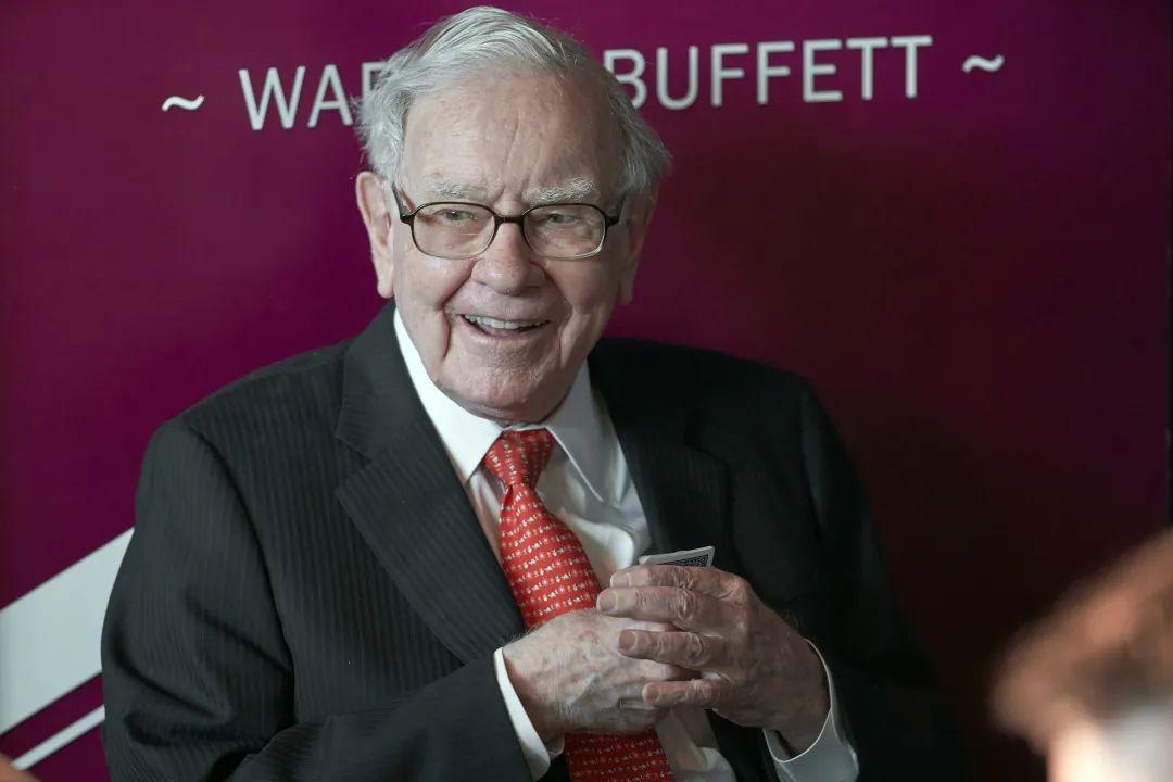 """重磅!巴菲特2021致股东信来了!重仓比亚迪暴赚25倍,却因""""一个错误""""巨亏上百亿美金!重仓股有哪些?"""