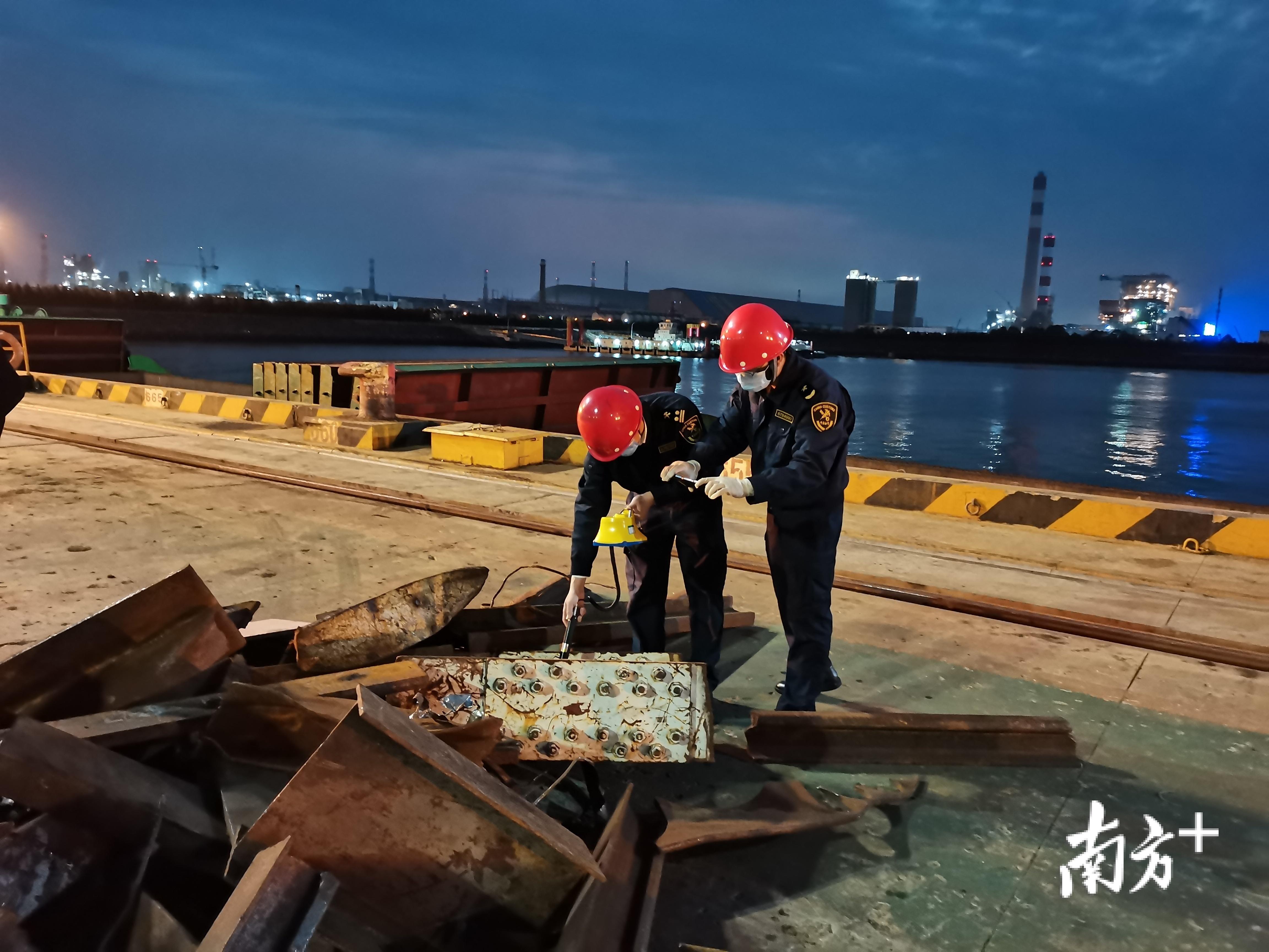 湛江海关在湛江港成功验放第一批进口再生钢铁原料