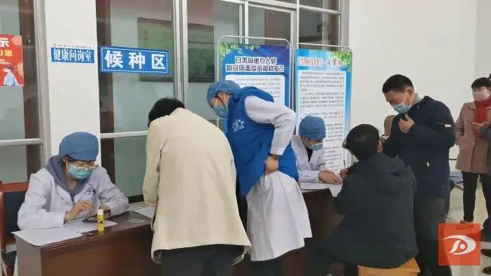 敦煌市州里卫生院有序睁开新冠病毒疫苗接种使命