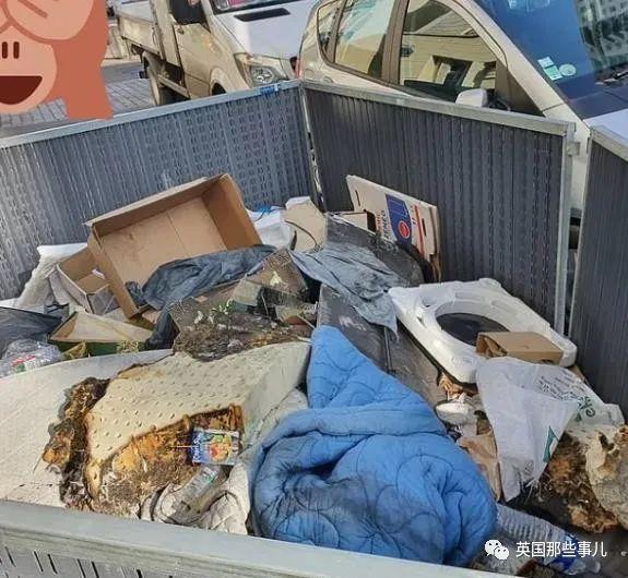 巴黎街上臭气弥漫垃圾堆积成山,市民怒骂市长:把巴黎搞成了垃圾堆