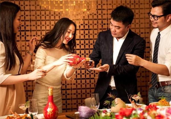 婚宴市场需求激增,五一小旺季引爆红花郎断货现象