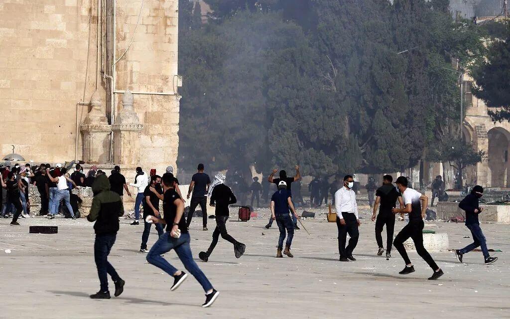 150多枚火箭弹射向以色列,以军空袭报复......