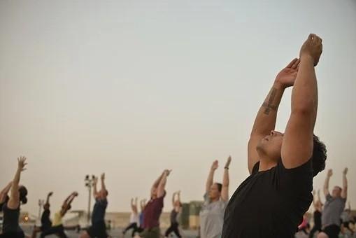 """發呆、抖腿竟有利於健康? 這些看似不好的""""壞習慣""""適當做有助於長壽"""