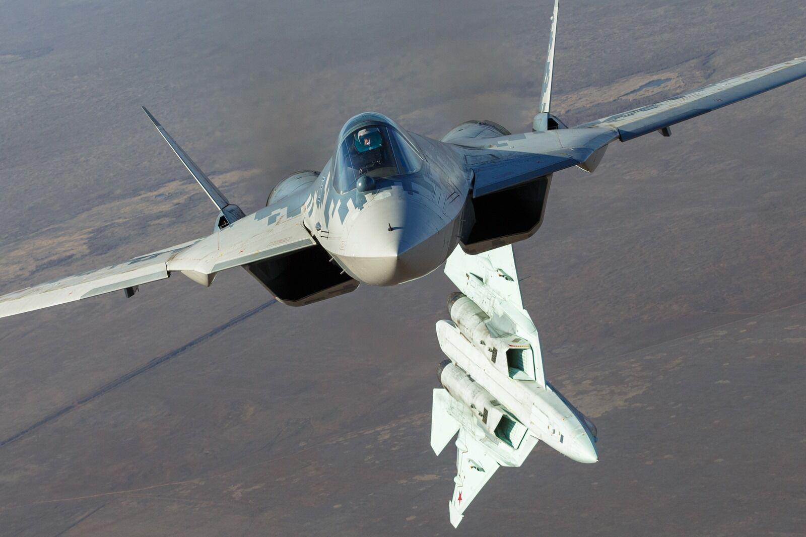 俄工貿部長:俄軍工部門正在制定蘇-57戰鬥機升級方案