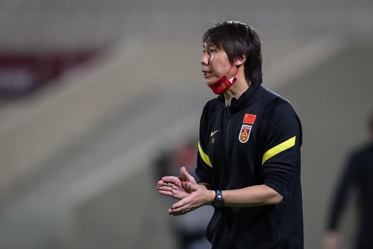 记者:足协曾就热身赛联系西亚和中亚多国,但均被婉拒