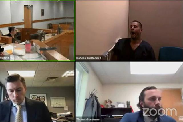 美国一保释犯两天内疯狂犯罪:杀人抢劫性侵……