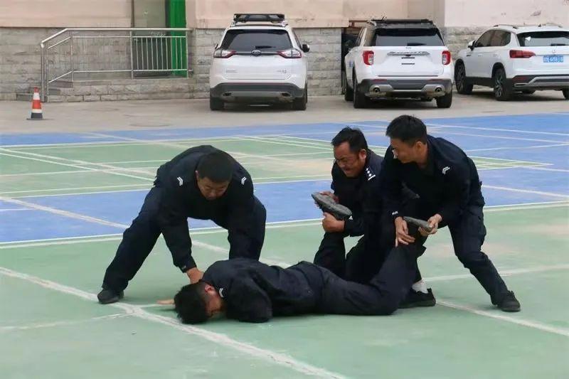 【全警实战大练兵】州公安局特警支队组织开展第二季度训练会操