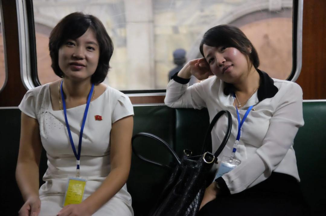 朝鲜女导游为什么成了网络大众情人?