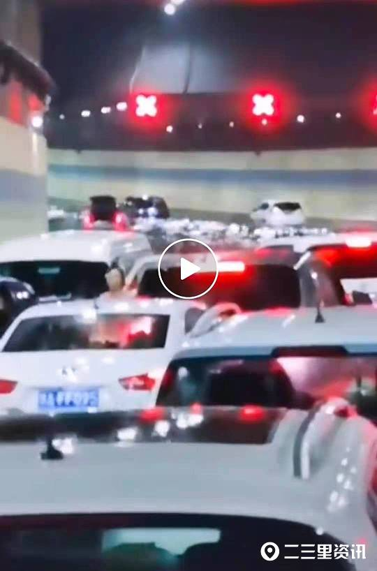 """郑州京广路隧道""""最早""""逃生者:劝大家弃车逃生,大家都不走"""