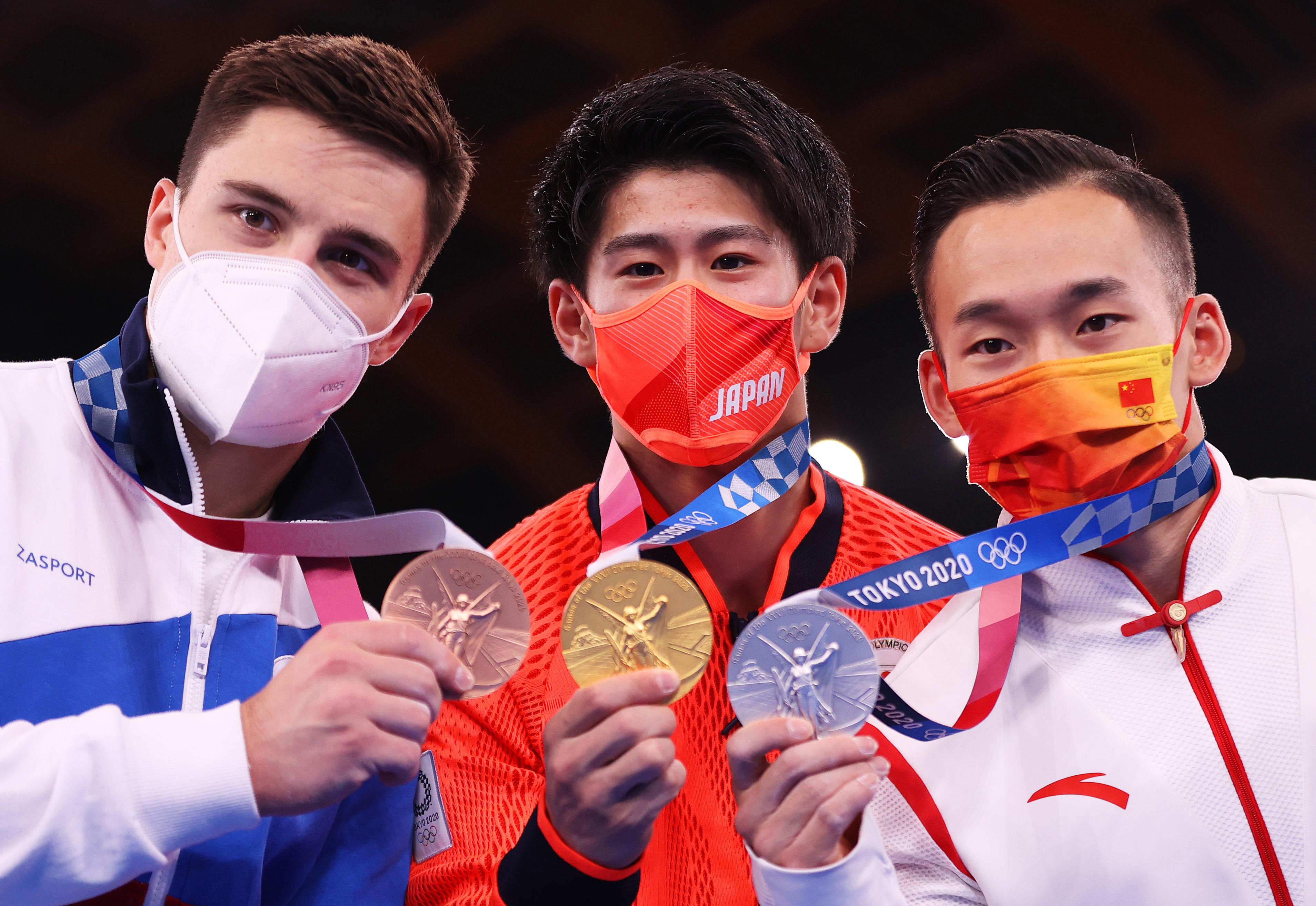 """肖若腾的金牌被""""偷""""走之后,引发了巨大的争议旋涡"""
