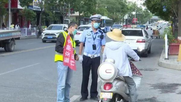 【中国日报】临夏市交警队持续开展道路交通秩序专项整治工作
