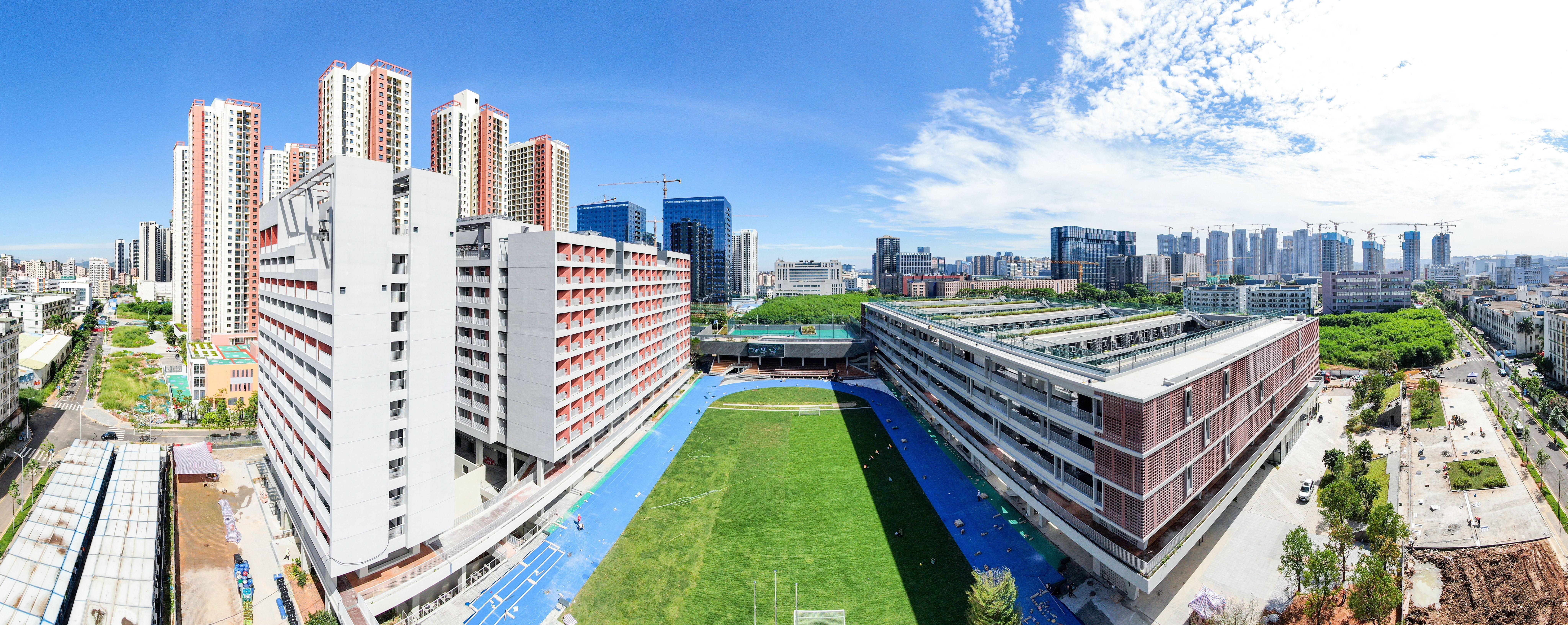 学校像公园、装备高精尖,深大附属实验中学竣工