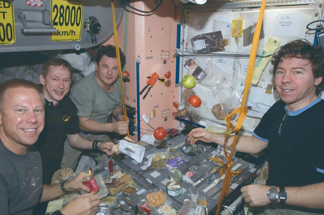 宇航员在太空吃什么?