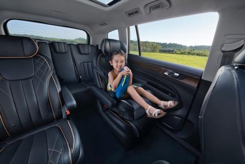 福特领裕焕新登场 开创7座新品类 全系售价16.98—22.18万