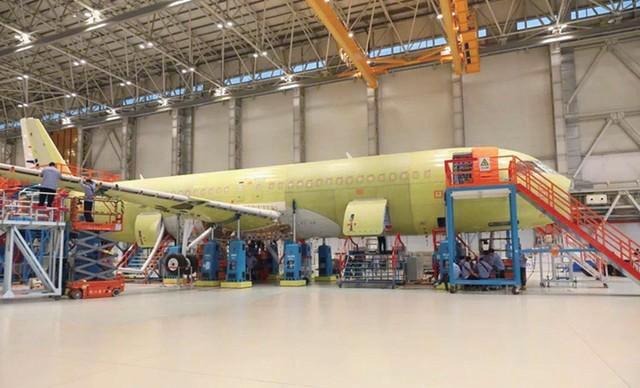 中国首架批生产C919客机即将总装 有望年底前交付并取得适航认证