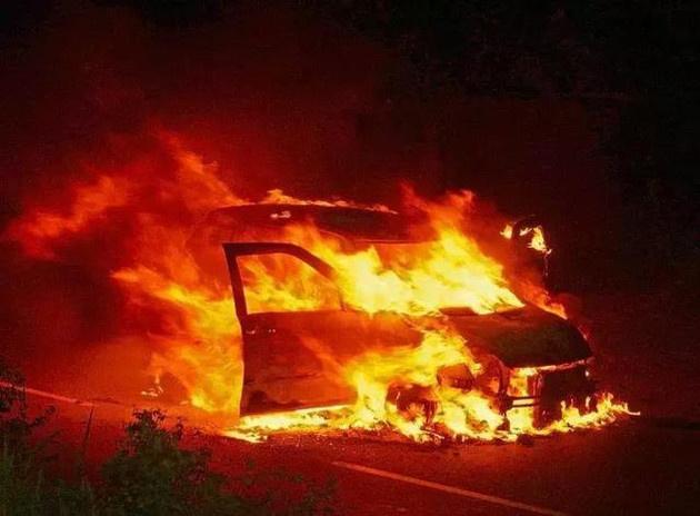 市场监管总局:建立新能源车火灾碰撞事故报告制度