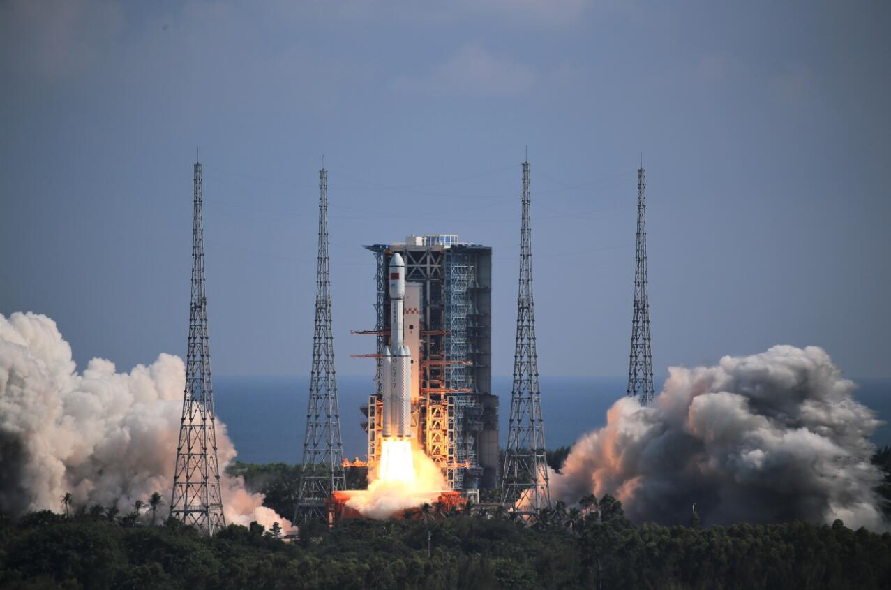 近期择机发射!神舟十三号就位 中国空间站或迎首位女航天员