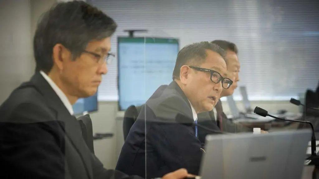 """丰田章男再""""炮轰""""电动车:转型纯电动会摧毁日本经济"""