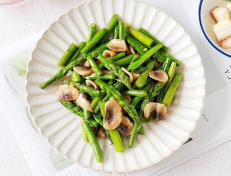 芦笋炒口蘑做法 秋季美食
