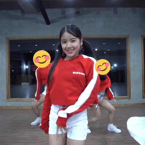 YG新女团真的顶得上10个JENNIE吗;JYP新女团有望登上TOP位?