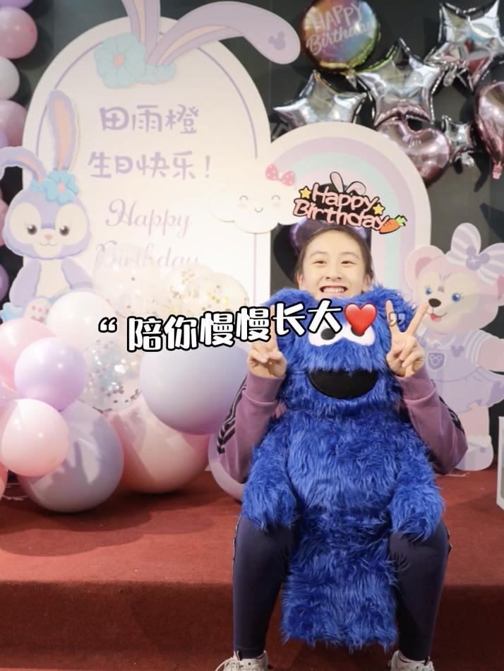 田亮葉一茜為13歲女兒慶生,森碟和爸爸共用一張臉,乖巧又美麗