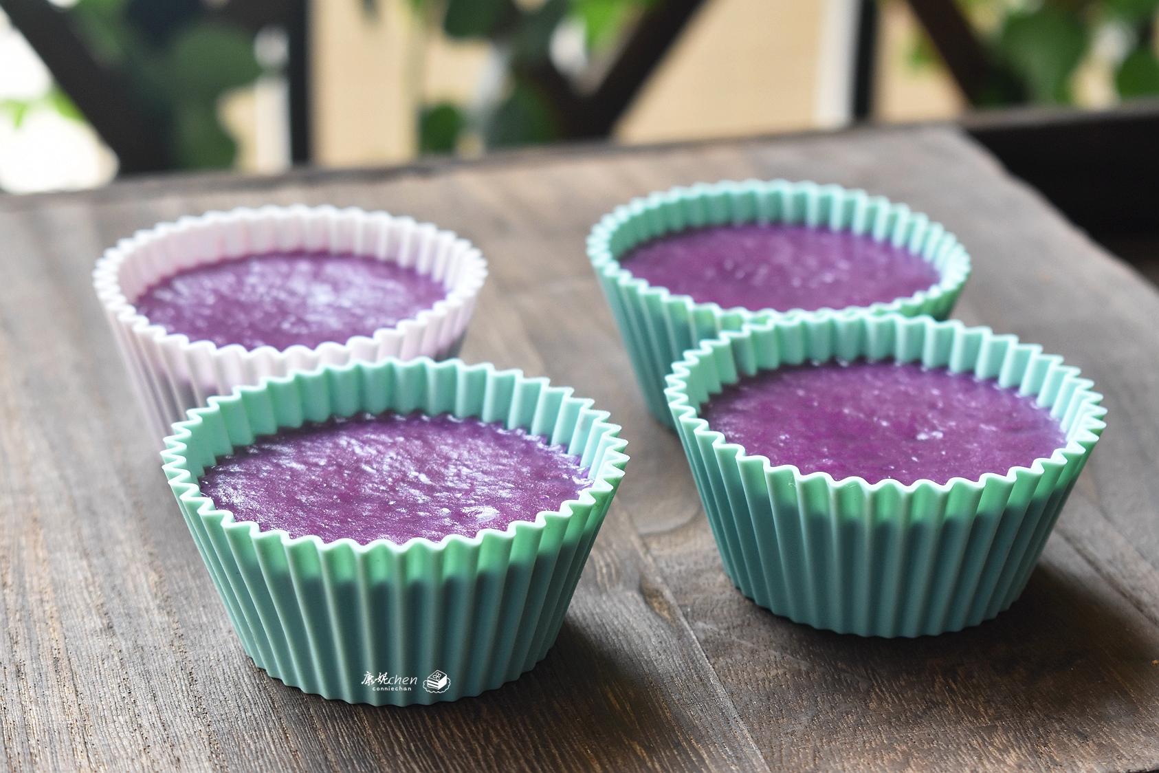 這糕點好看又好吃,攪拌幾下蒸一蒸,香甜軟糯,比蛋糕簡單