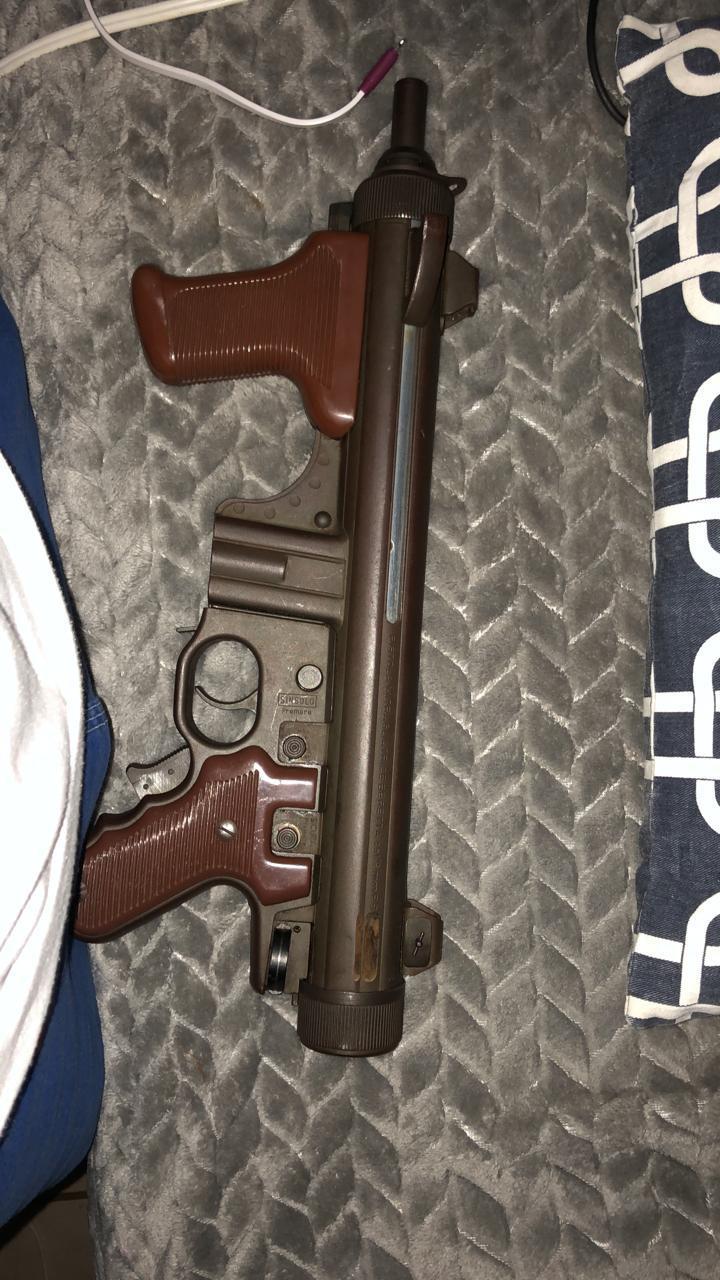 打仗不行,但我们造冲锋枪行啊,意大利贝雷塔M12