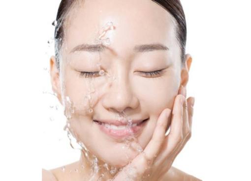 NANEA莱妮雅每天一条护肤小常识,脸洗干净比什么都重要