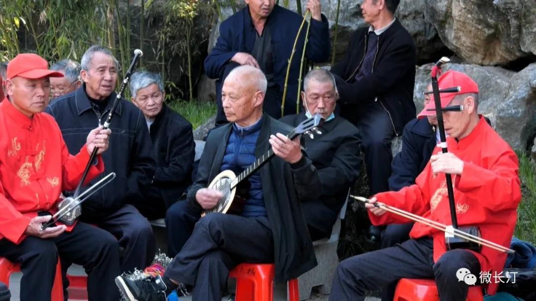 福建长汀:龙潭公园上演非遗好戏