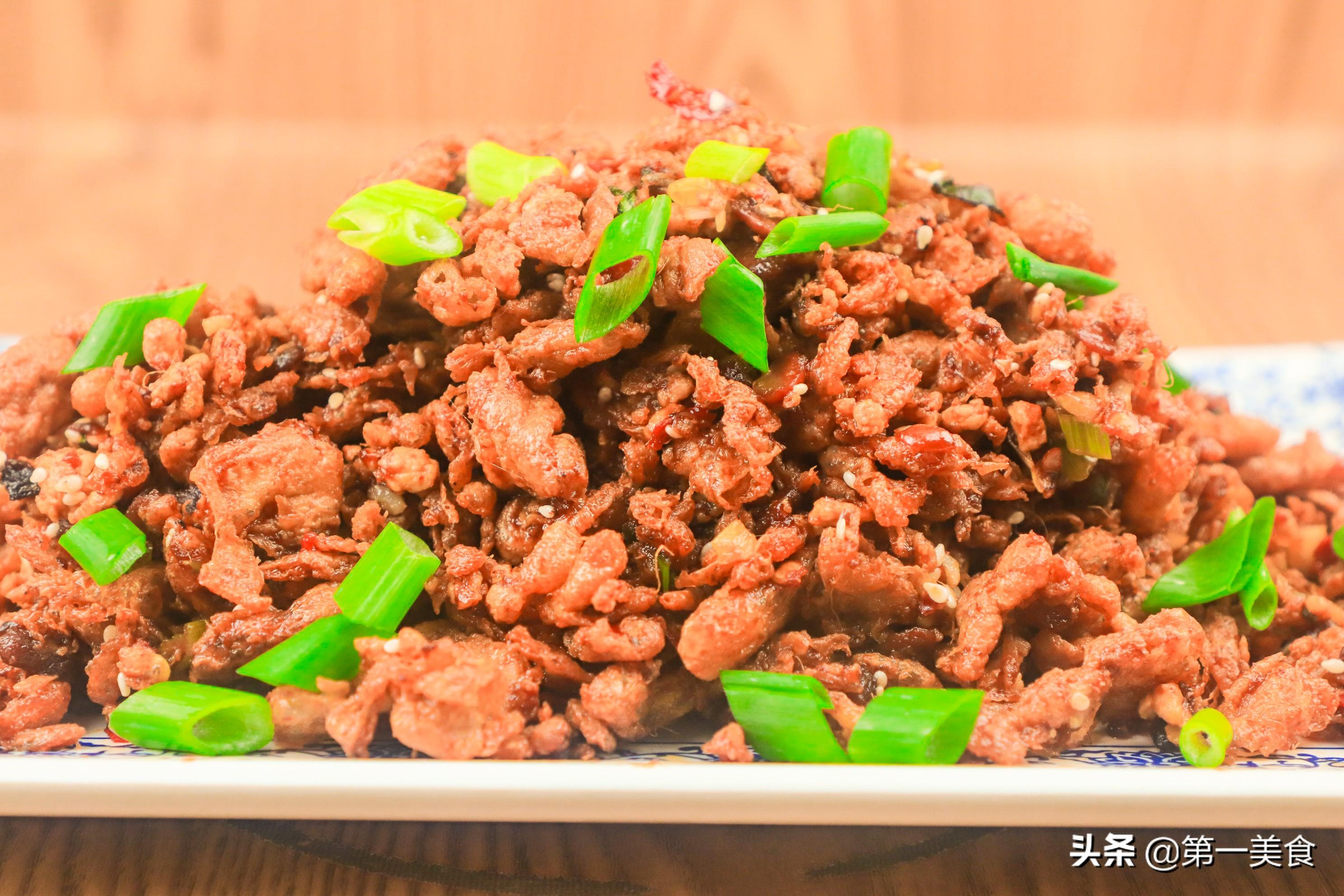 """东北特色菜""""酱炒鸡蛋"""" 厨师长分享妙招 外酥里嫩 酱香浓郁"""