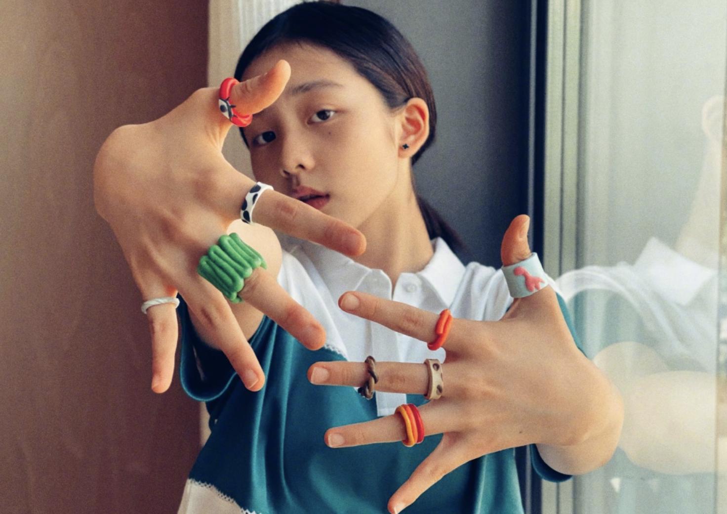 孫莉曬女兒自製戒指,多多伸手大方展示,心靈手巧被讚全能隨黃磊