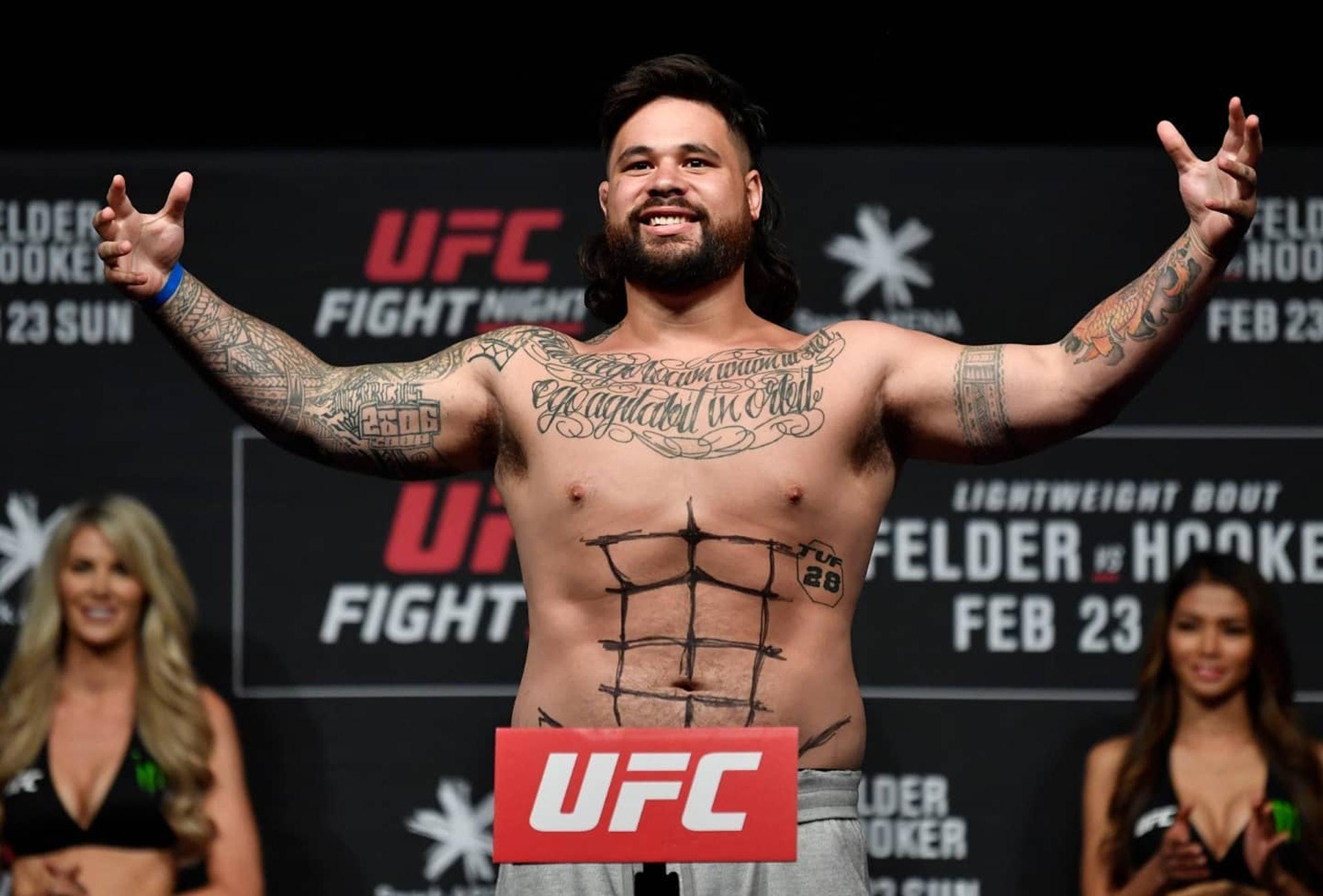 UFC拳手兼职酒吧保安,一拳打碎醉汉下巴,骨折有永不愈合风险