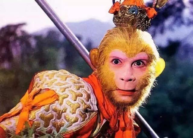 """六小龄童""""翻车""""背后:曾经的""""美猴王"""",终于活成自己讨厌的人"""