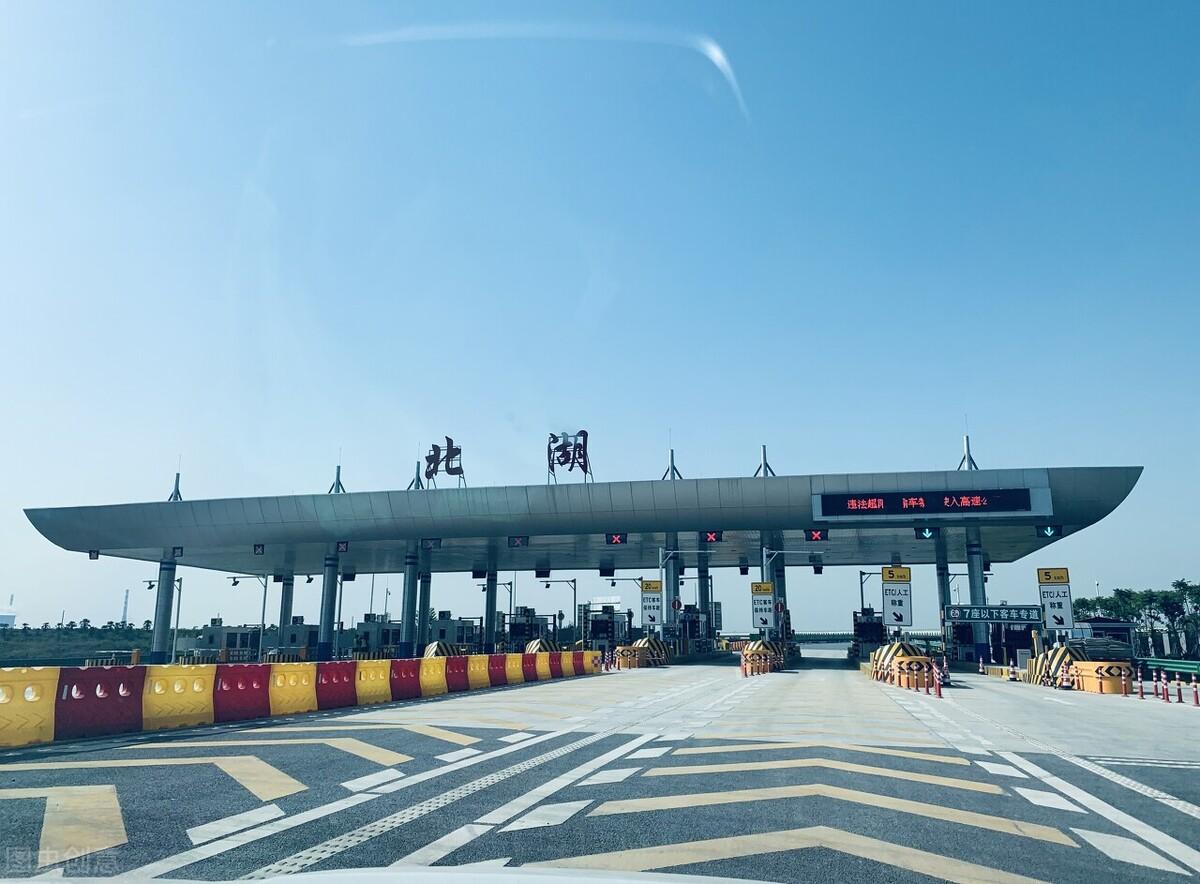 武汉三环线拥堵不堪,四环线却空空如也,惟有此举方可破局