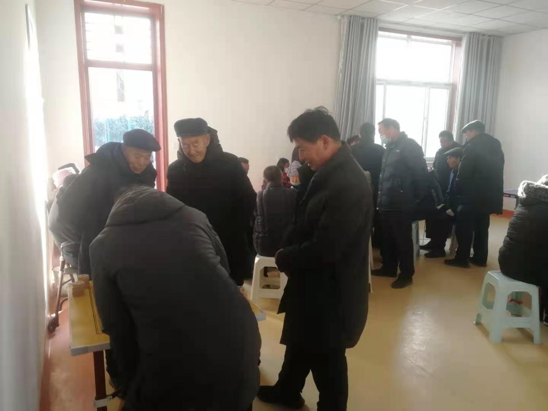 台前县民政局小娟社区养老兴隆社区老人开展象棋友谊赛