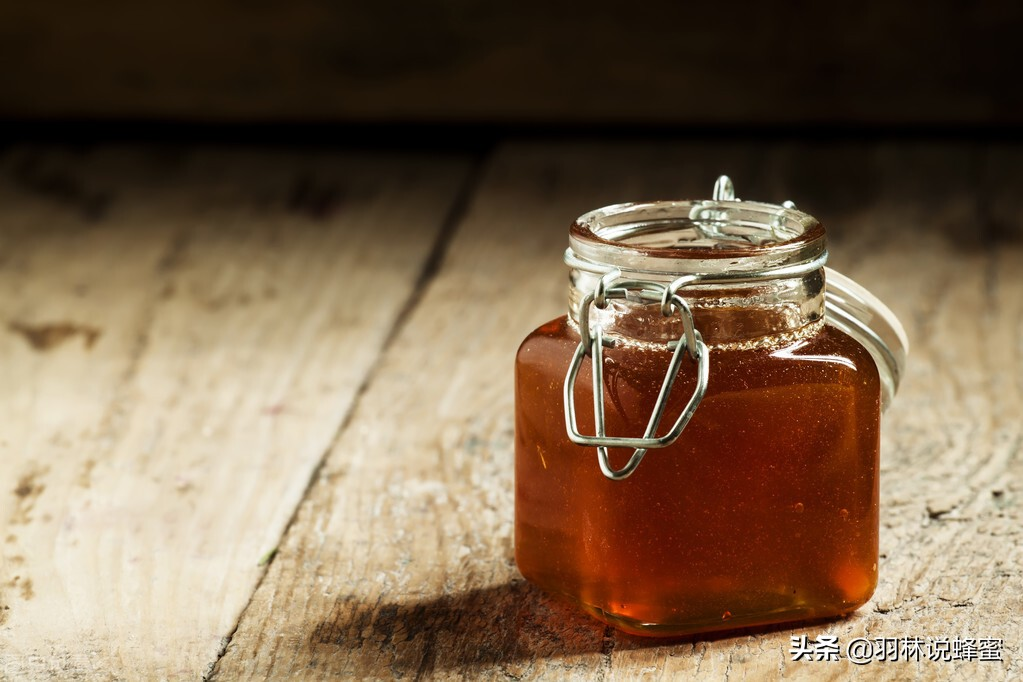 蜂蜜需要放在冰箱里保存吗?延长蜂蜜保质期的4个方法,这是答案