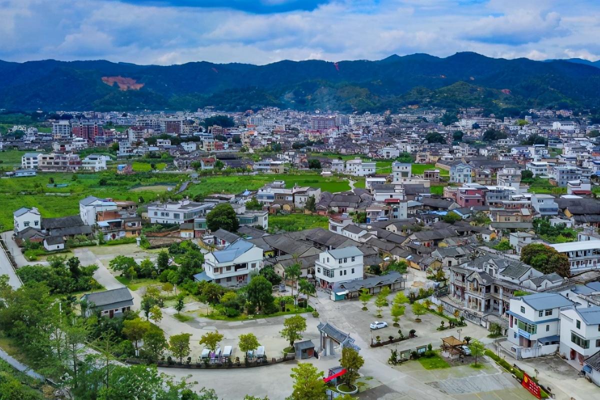 广东适合养老的小县城,平均寿命79.55岁,被评为世界长寿之乡