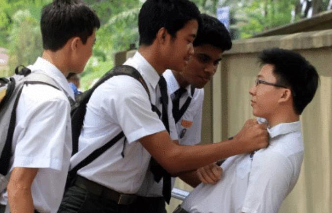 贵州15岁学生被霸凌,反抗中误杀霸凌者判刑8年,55名同学联名请愿