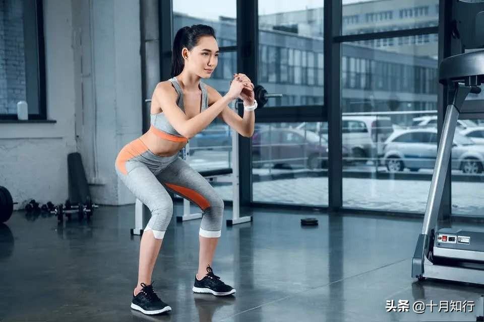 深蹲跳有什么作用  深蹲跳的标准动作