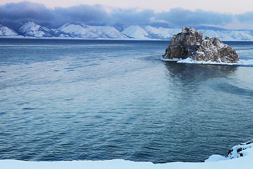 1600吨黄金沉没贝加尔湖百年,为何至今没有人敢打捞?换你也不敢
