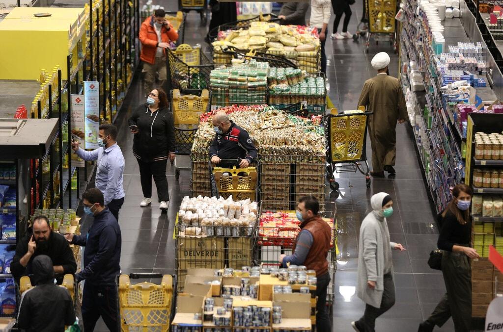 食品价格上涨了四倍,汇率为1:15000,通货膨胀打败了黎巴嫩金融市场